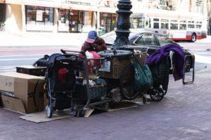 Obdachlose Frau in San Francisco